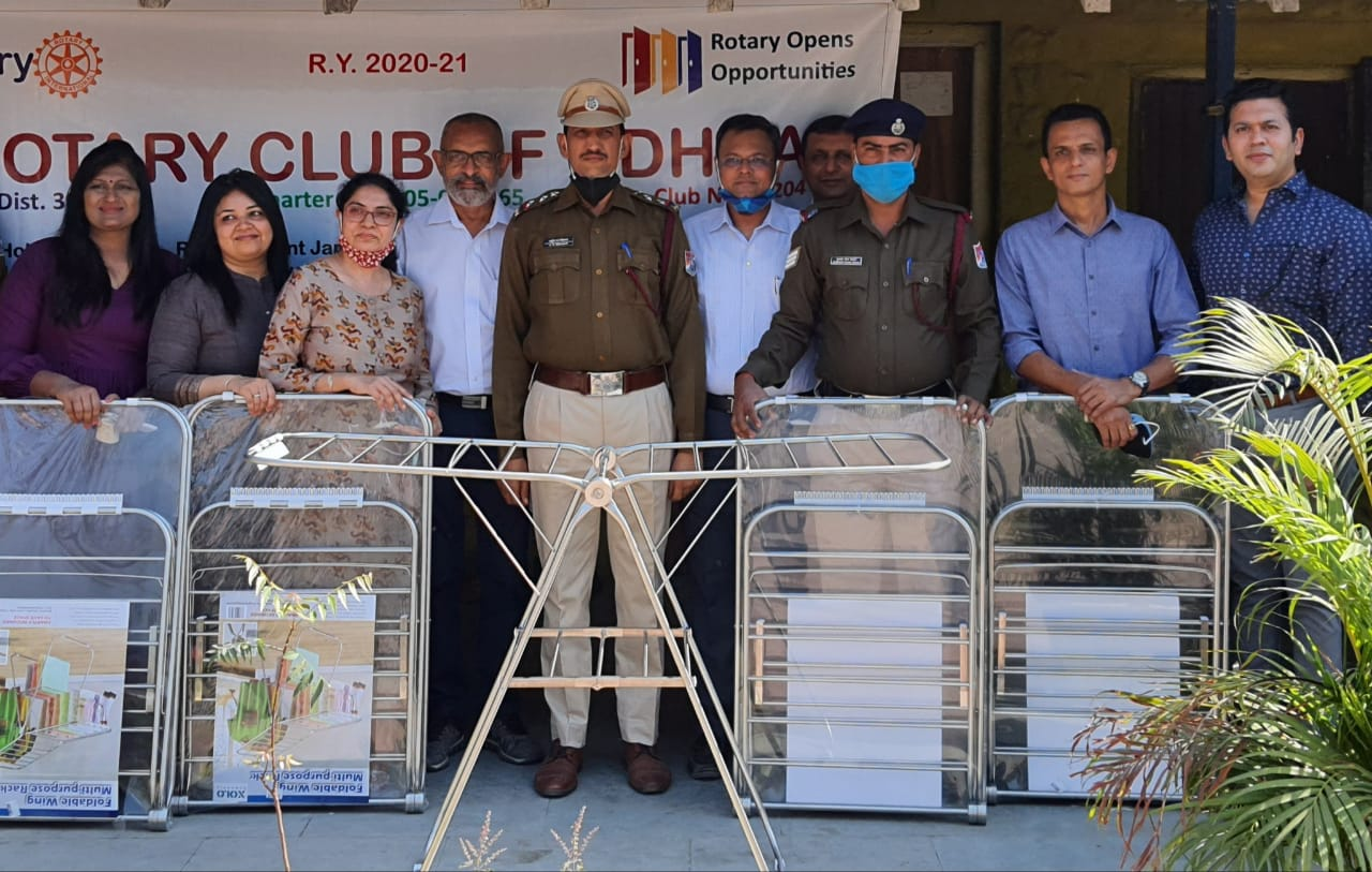 Distribution of stands by Rotary Club of Udhna at the Shahid Smriti Van