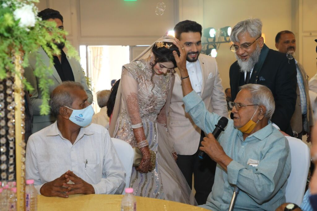 Surat Industrialist Hosts 5-Star Lunch for Specially-Abled Kids, Old-Age Home Residents to Mark Son's Wedding.